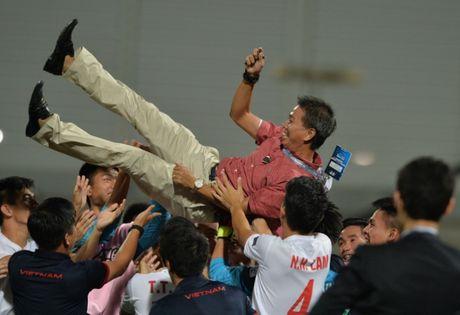 U-19 Viet Nam: Thang lam vua, thua da co suat World Cup - Anh 2