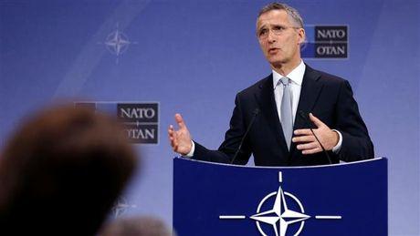 NATO xem xet dieu quan toi sat bien gioi Nga - Anh 1
