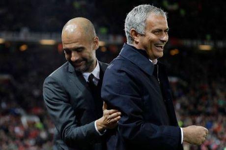 Mourinho chap tay vai xin loi co dong vien - Anh 7