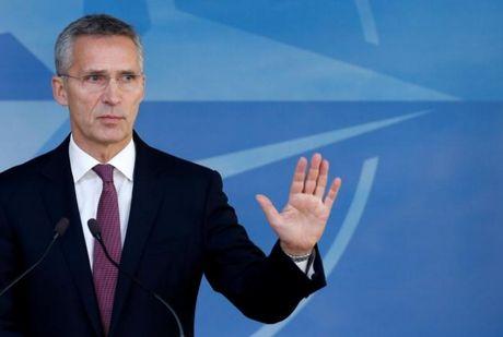 NATO o at dieu quan, may bay chien dau toi gan bien gioi Nga - Anh 1