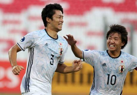 U19 Nhat Ban coi thuong U19 Viet Nam truoc ban ket - Anh 1