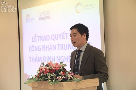 Trao chung nhan Trung tam tham dinh nghe VTOS cho Trung tam dao tao CHM - Anh 2