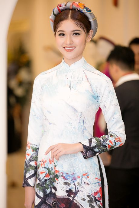Chi Pu, Helly Tong, A hau Thuy Dung duyen dang trong ao dai cach tan - Anh 3