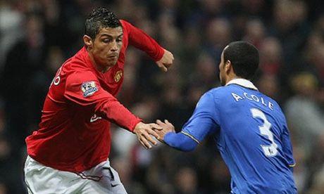 Cristiano Ronaldo tiet lo ve doi thu kho nhan nhat, ve quan he voi Messi - Anh 1