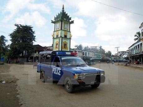 Myanmar bat giu them 8 doi tuong tan cong don bien phong - Anh 1