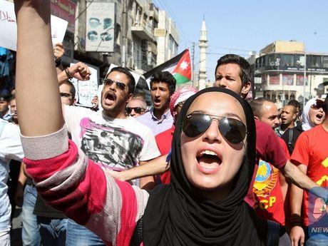Jordan: Hang tram nguoi phan doi thoa thuan hoa binh voi Israel - Anh 1