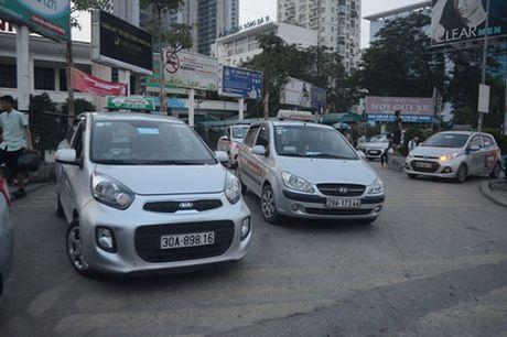 Ha Noi quyet xu taxi ngoai tinh - Anh 1