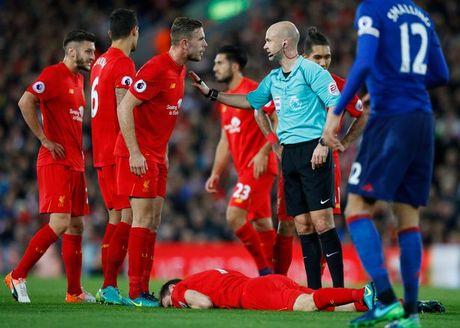 Sao Liverpool thua nhan da choi 'qua xau' mua nay - Anh 1
