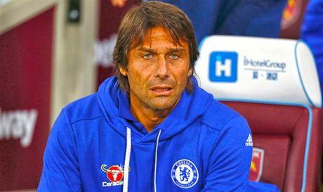 Conte canh bao ve co hoi ra san cua cac cau thu tre Chelsea - Anh 1