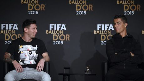 Fabio Cannavaro chon ai giua Ronaldo va Messi? - Anh 1