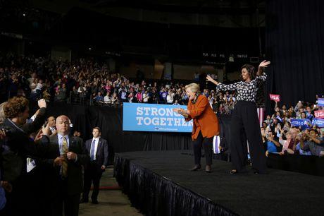 De nhat phu nhan My van dong tranh cu cung ba Clinton - Anh 11