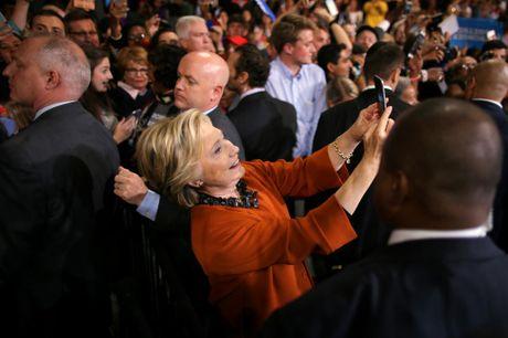De nhat phu nhan My van dong tranh cu cung ba Clinton - Anh 3