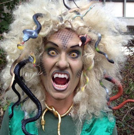 Nhung hinh anh hoa trang Halloween kinh di khien nhieu nguoi 'hon bay phach lac' - Anh 9