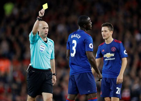 Mourinho nhan an phat tu FA vi nhan xet ve trong tai - Anh 2