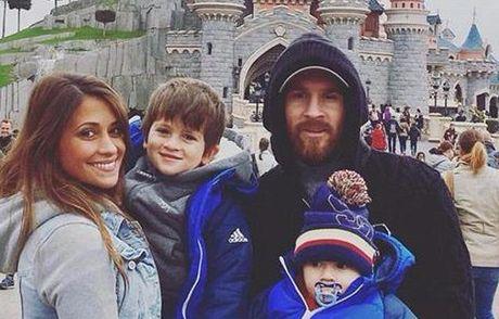 Tranh thu ngay nghi, Messi bien giac mo cua vo con thanh su that - Anh 1