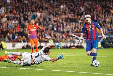 Tranh thu ngay nghi, Messi bien giac mo cua vo con thanh su that - Anh 2
