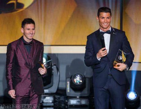 Mot lan nua Cristiano Ronaldo khang dinh anh va Lionel Messi khong phai la ban - Anh 1
