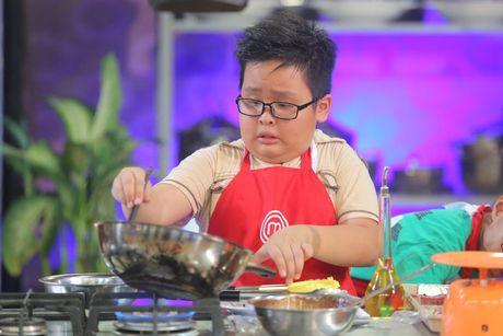 "Vua dau bep nhi: ""Cong chua tho"" cang thang, khong ngung la het - Anh 3"