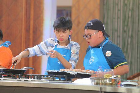 "Vua dau bep nhi: ""Cong chua tho"" cang thang, khong ngung la het - Anh 5"