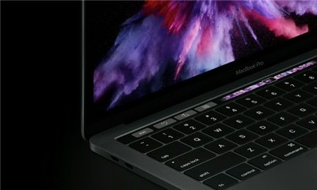 Anh MacBook Pro co Touch Bar gia tu 1.799 USD - Anh 7
