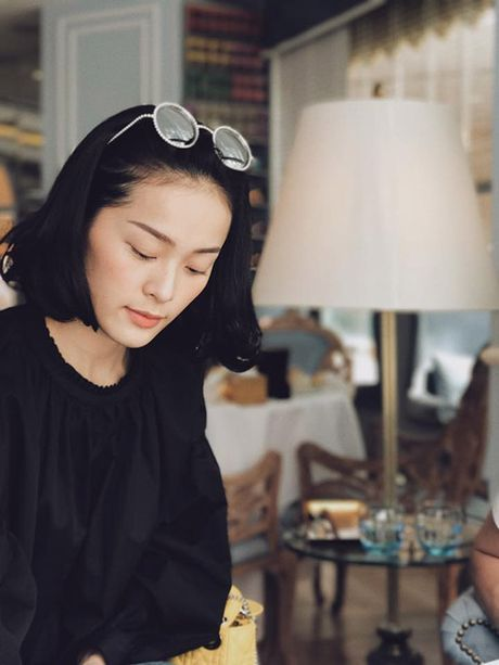 Sao Viet 28/10: Diem Trang khoe con gai, Ngoc Trinh mac noi y mong nhu suong - Anh 2