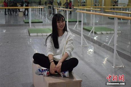 Nu sinh truong mua chuyen dong gia ma quy - Anh 5