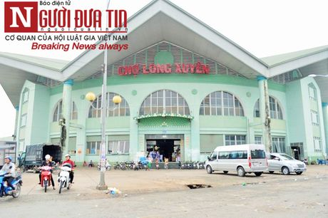 Tieu thuong keu troi vi bi 'ep' qua cho vang nhu 'chua ba danh'(1) - Anh 1