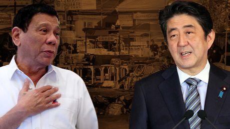 Duterte: Chinh khach khon kheo hay 'tay mo' ve ngoai giao - Anh 1