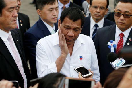 Ong Duterte: Tap tran chung voi Nhat thi thoai mai, voi My thi khong - Anh 1
