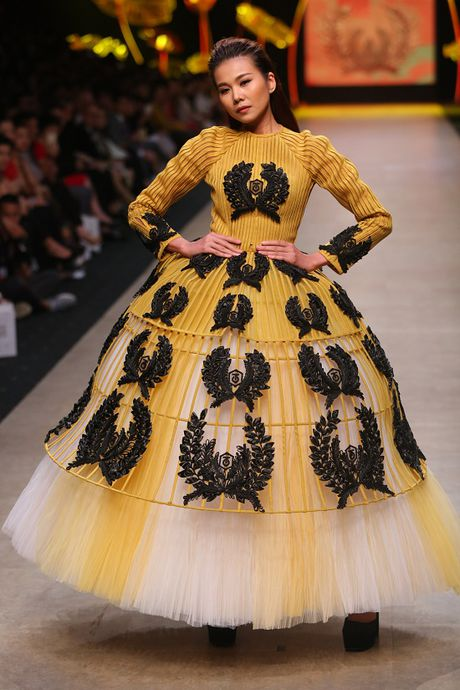 Sao Viet hao hung cho Vietnam International Fashion Week o Ha Noi - Anh 1