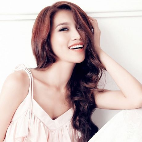 Sao Viet hao hung cho Vietnam International Fashion Week o Ha Noi - Anh 3