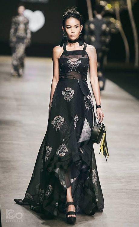 Sao Viet hao hung cho Vietnam International Fashion Week o Ha Noi - Anh 4