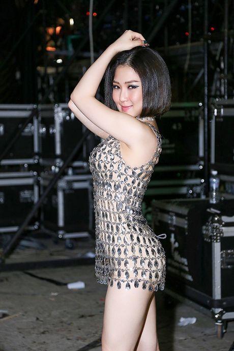 Huong Tram nong bong 'dai nao' chuong trinh MTV Connection - Anh 2