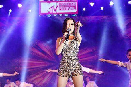 Huong Tram nong bong 'dai nao' chuong trinh MTV Connection - Anh 3