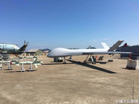 Can canh UAV 'Than lan bay' cua Trung Quoc - Anh 5