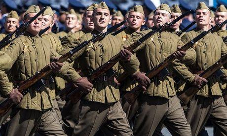 Doi dau Nga – NATO len den dinh diem - Anh 1