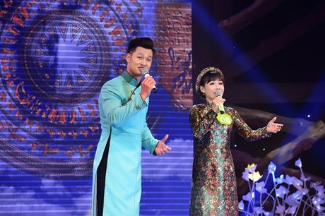 Nguoi con gai Hue - Hong Van dang quang 'Tieng hat mai xanh' 2016 - Anh 2