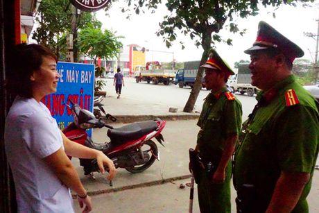Giam tai 'nut' giao thong Cau Buou - Anh 1