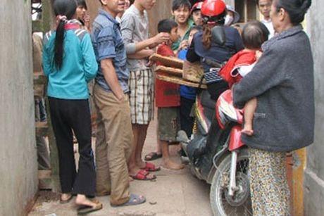 Bat khan cap doi tuong bat coc tre em tong tien - Anh 1