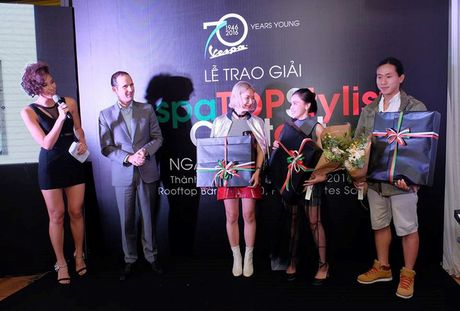 Phong cach streetstyle day ngau hung cua stylist 9X Ha thanh - Anh 2