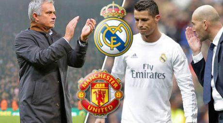 Ca ngoi Mourinho, Ronaldo muon tro lai Man United? - Anh 1