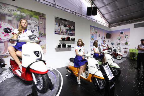 Thuong hieu Peugeot Scooters tro lai Viet Nam sau 60 nam - Anh 8