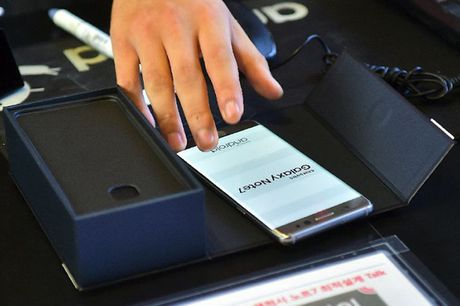 Loi nhuan Samsung sut the tham sau tham hoa Galaxy Note 7 - Anh 1