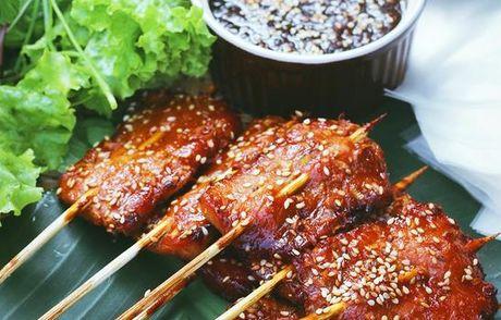 Vao bep lam banh uot thit nuong ngon dung chat via he Hoi An - Anh 1