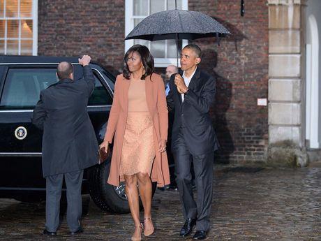 44 buc anh cho thay su thay doi trong phong cach cua Michelle Obama (Phan 2) - Anh 17
