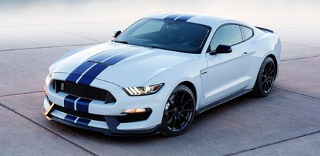 Ford trieu hoi Shelby GT350, Escape va Super Duty do nguy co chay no - Anh 1
