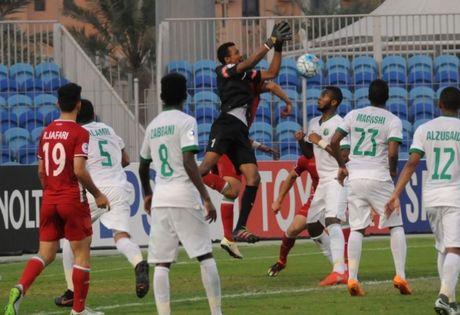 U.19 Saudi Arabia vao chung ket sau tran cau co 11 ban - Anh 1