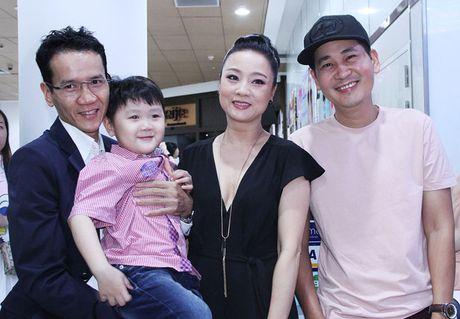 Dao dien tre Le Minh den ung ho dan chi My Duyen trong buoi ra mat bo phim 'Bi an song sinh' - Anh 3