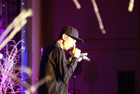 'Dua nhau di tron' dem Halloween cung rapper Den Vau - Anh 1