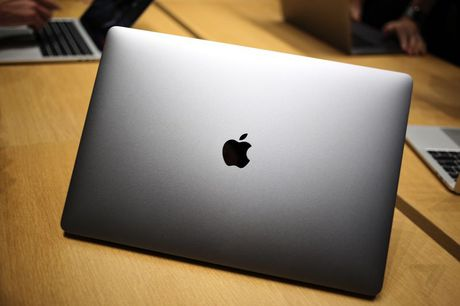 Can canh MacBook Pro vua ra mat cua Apple - Anh 5